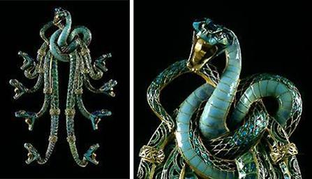 René Lalique / Serpentes / Peitoral em ouro e esmalte / 21 x 14,3 cm